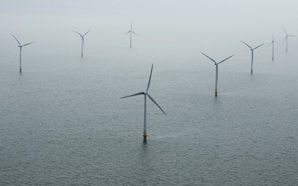 Pobřežní větrná farma - větrné turbíny Vestas, Kentish Flats, Británie leden 2006, foto: Vestas, Lars Schmidt