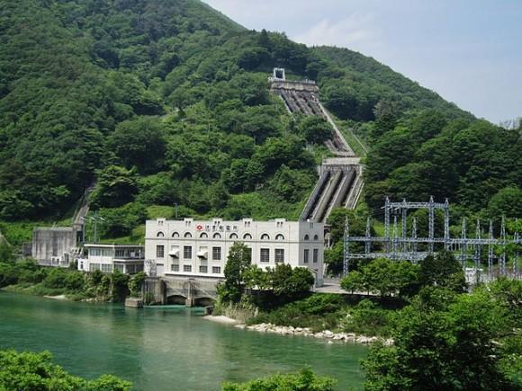 Přečerpávací vodní elektrárna Yomikaki v Japonsku, foto: Qurren/Wikipedia