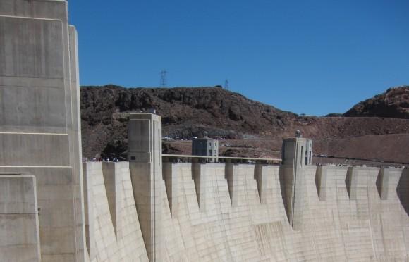 Vodní přehrada Hoover Dam v USA, jedno z největších betonových děl na světě, foto: darrendean, sxc.hu