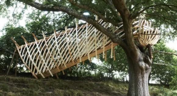 Ptáci snovači by si jistě výslednou podobu stromového hnízda pochvalovali. Zdroj: Dezeen.com