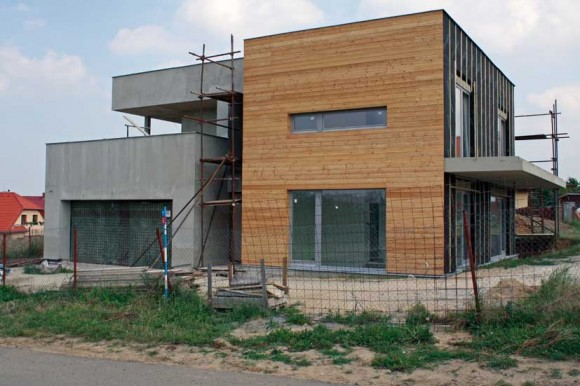 Realizace provětrávané fasády na rodinném domě. foto: Knauf Insulation
