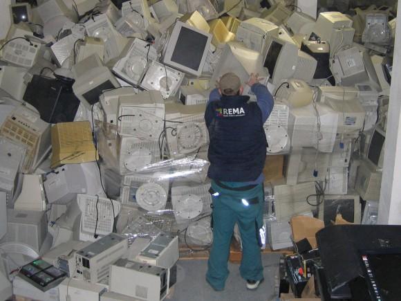 Vysloužilé počítače a jiné ICT vybavení tvoří většinu elektroodpadu. foto: REMA Systém