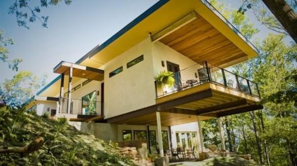 Rodinný dům postavený z konopných materiálů v americkém Ashville.