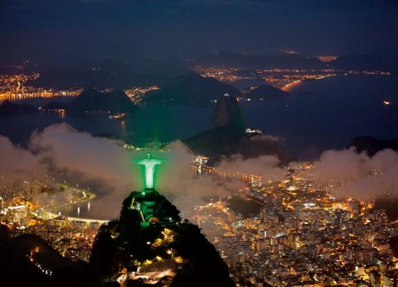 Socha Ježíše Krista v brazilském Rio de Jaineru má osvětlení technologií LED, foto: Siemens