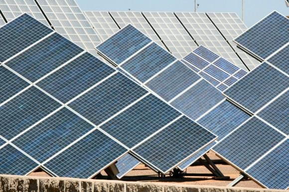 Jih Evropy má pro sluneční fotovoltaické i koncentrační solární elektrárny nejpříhodnější podmínky. Hozené rukavice se nejlépe chápe Španělsko v tandemu s Německem, foto: jzlomek, sxc.hu
