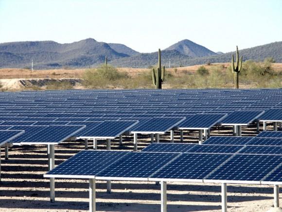 Oblast Antelope Valley v Kalifornii v oblasti Los Angeles patří k nejprosluněnějším, i proto zde funguje nebo plánuje velké množství projektů solárních elektráren. Důležitá je i blízkost Los Angeles, kde je možné elektřinu spotřebovat. foto: SunPower