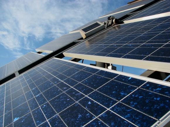 Čína doslova válacuej světové trhy s fotovoltaikou, už teď dodává polovinu solárních panelů. foto: dynamix/sxc.hu