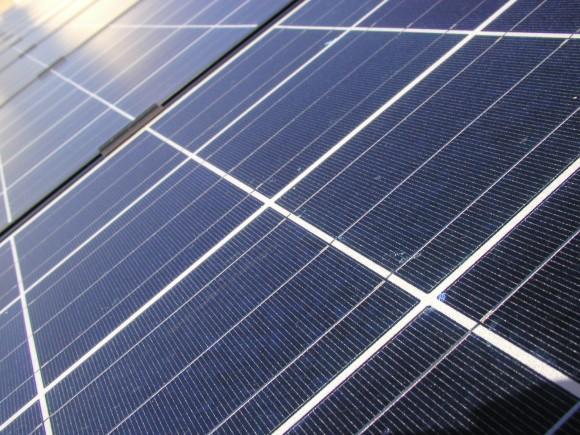 Dravé ekonomické prostředí v USA příliš domácí fotovoltaiku nepodporuje, narozdíl od Německa. Zdroj: sxc.hu/nevmic