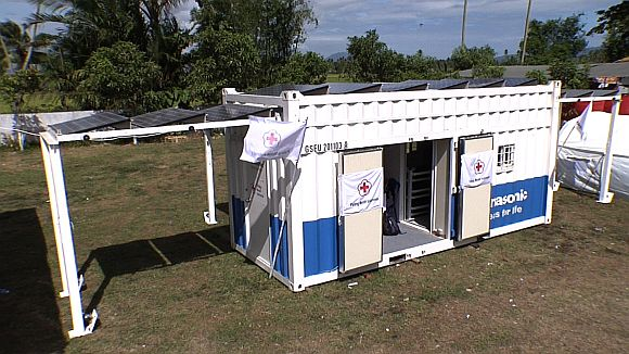 Kontejnerová elektrárna se solárnímí panely. foto: Panasonic