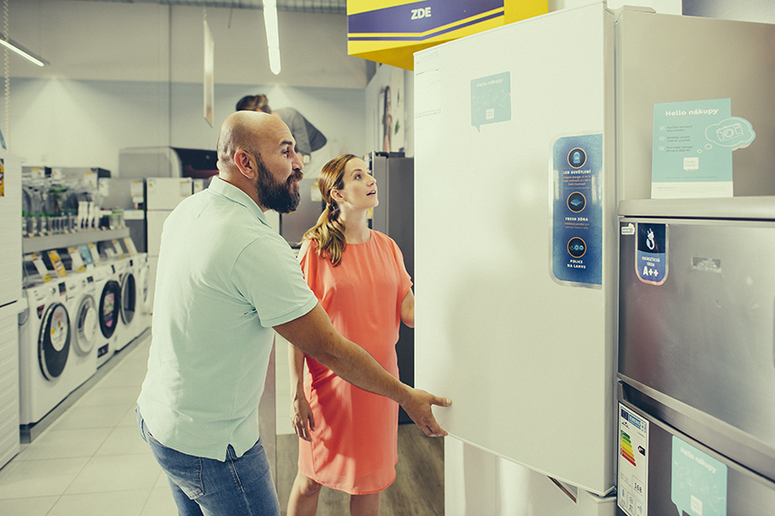 Úkolem energetického štítku je vás zorientovat v tom, jaká je spotřeba a tím pádem i finanční náročnost provozu spotřebiče.