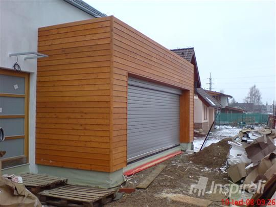 Obklad rodinného domu z materiálu Sibiřský modřín v okrese Kladno, foto: Inspireli.cz