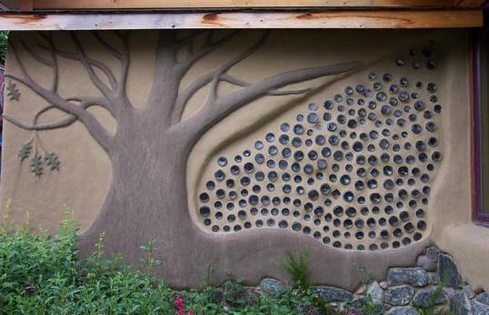 Na kurzu přírodního stavitelství se dozvíte mimo jiné i jak a z čeho se vyrábějí krásné hliněné omítky, foto: Ekovesnice