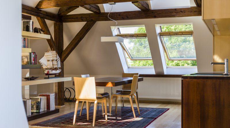 Dostatek denního světla a čerstvého vzduchu jsou nezbytné kzajištění zdravého vnitřního klimatu a tím i spokojeného bydlení.