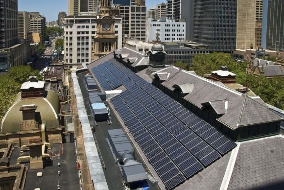 Radnice města Sydney je pokryta solárními panely o celkovém výkonu 48 kW. foto: NSW Public Works