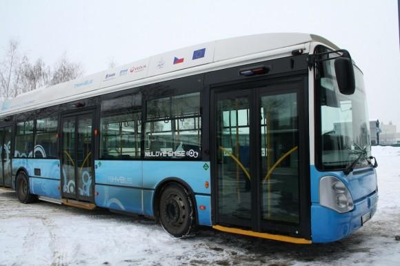 TriHyBus - experimentální vodíkový autobus, který jezdí v Neratovicích v České republice. foto: Hybrid.cz