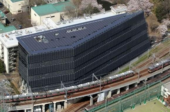 Doufejme, že TTI neinstalovali žádné solární panely do suterénu. Zdro: Inhabitat.com
