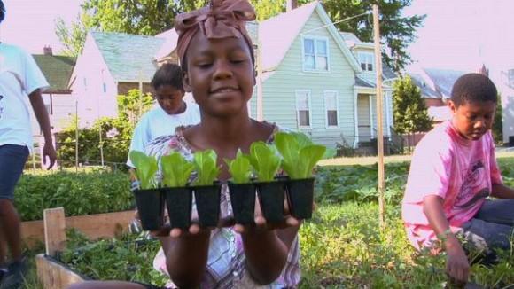 Urban Roots - nový filmový dokument o lokálních městských farmách, které v Detroitu rostou jako po dešti