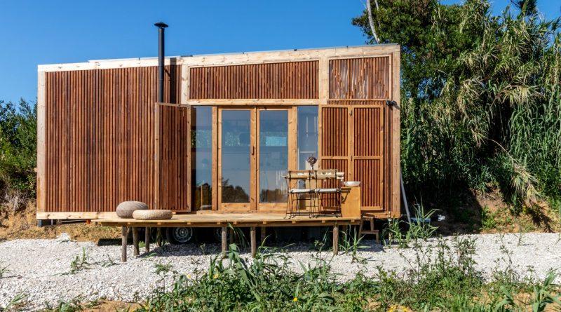Malý mobilní dům Ursa je určen všem digitálním nomádům. foto: Madeiguincho