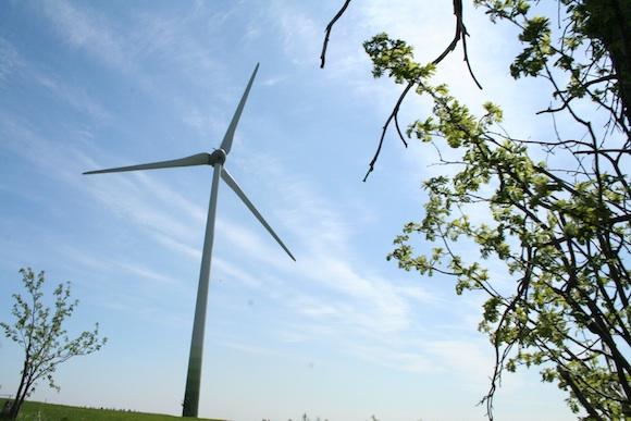Větrná elektrárna v Krušných horách - ty naštěstí zatím nikdo neničí. Foto: Monika Kolářová/Ekobydlení.eu