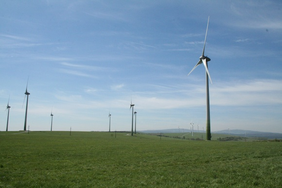Větrné turbíny - farma v Krušných horách, foto: Monika Kolářová/Ekobydleni.eu