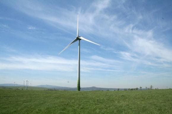 Větrná turbína - elektrárna - Česká republice, Krušné hory, foto: Ekobydlení.eu