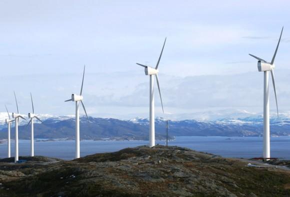 GE Energy nabízí výkonné 4MW větrné turbíny již řadu let, jako jedna z prvních firem také pro využití v pobřežních vodách, foto: GE Energy