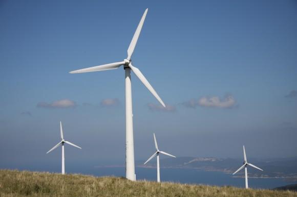 Jihoafrická republika má pro využití obnovitelných zdrojů energie ideální podmínky. Svítí tam slunce, fouká vítr a v podzemí se ukrývá netušená síla. Stejně jako v oceánu. foto: saavem/sxc.hu