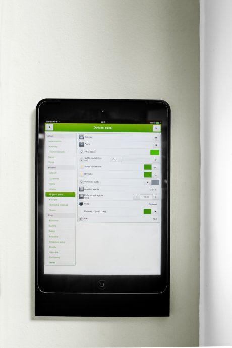 Ovládací rozhraní inteligentního domu na platformě KNX. foto: Schneider Electric