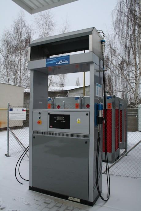 Vodíková čerpací stanice pro vodíkový autobus TriHyBus v Neratovicích, foto: Hybrid.cz
