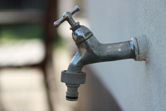 Vodní kohoutek. Stane se voda v budoucnosti nedostatkovou surovinou? foto: leovdworp/sxc.hu