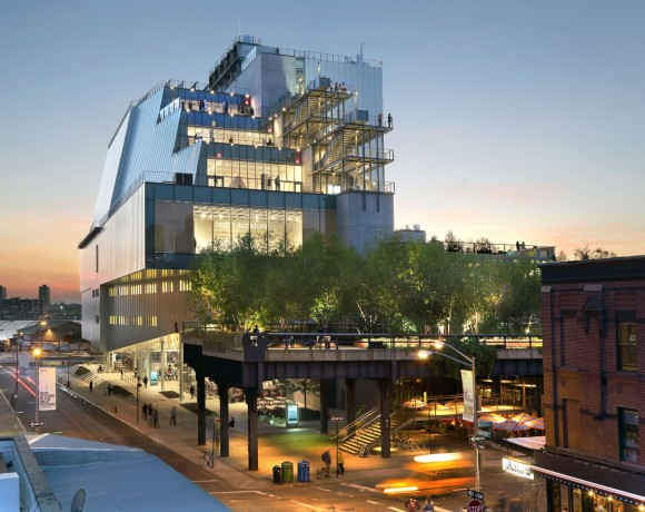 """""""Muzeum nyní připomíná svým tvarem spíše křižník nebo torpédoborec, exponáty uvnitř jsou ale v bezpečí.""""  foto: Whitney Museum"""