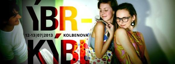 ÝBRKÝBRL - módní bazar, ve kterém můžete své staré oblečení proměnit v peníze na nové oblečení. foto: ÝBRKÝBL