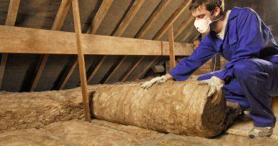 Zateplení podlahy na půdě minerální izolací NatuRoll Pro. foto: Knauf Insulation