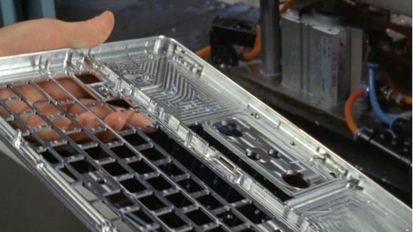 Apple MacBook Pro hliník unibody recyklace