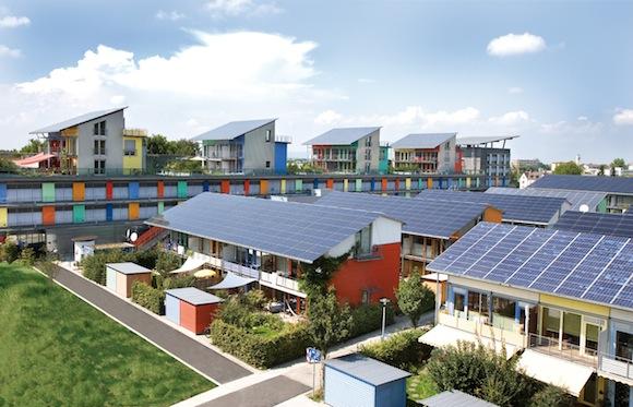 domy - Solarsiedlung - solární čtvrť Freiburg Německo