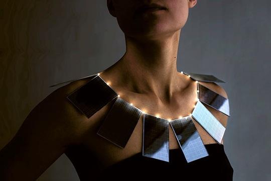 Solární náhrdelník