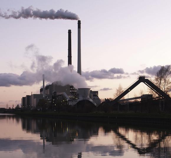 fosilní paliva - uhelná elektrárna Datteln Německo