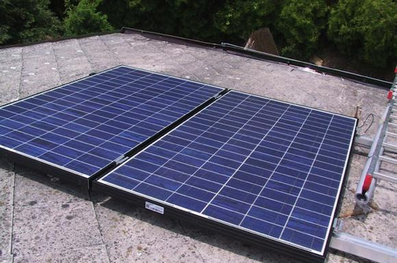 fotovoltaicke panely- ostrovní systém