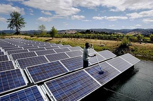 Solární panely na vodě - plovoucí fotovoltaika