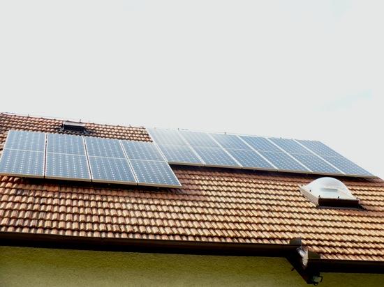 Solární energie - domácí fotovoltaická střešní elektrárna