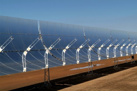 solární elektrárny - termální parabolická zrcadla Blythe
