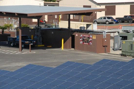 solární elektrárna na americké letecké základně na Havaji