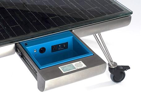 solární stůl od Intelligent Forms