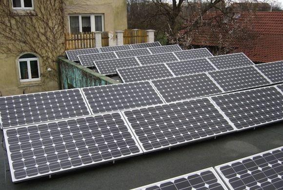Solární energie - střešní solární elektrárna