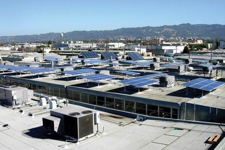Střešní solární elektrárna